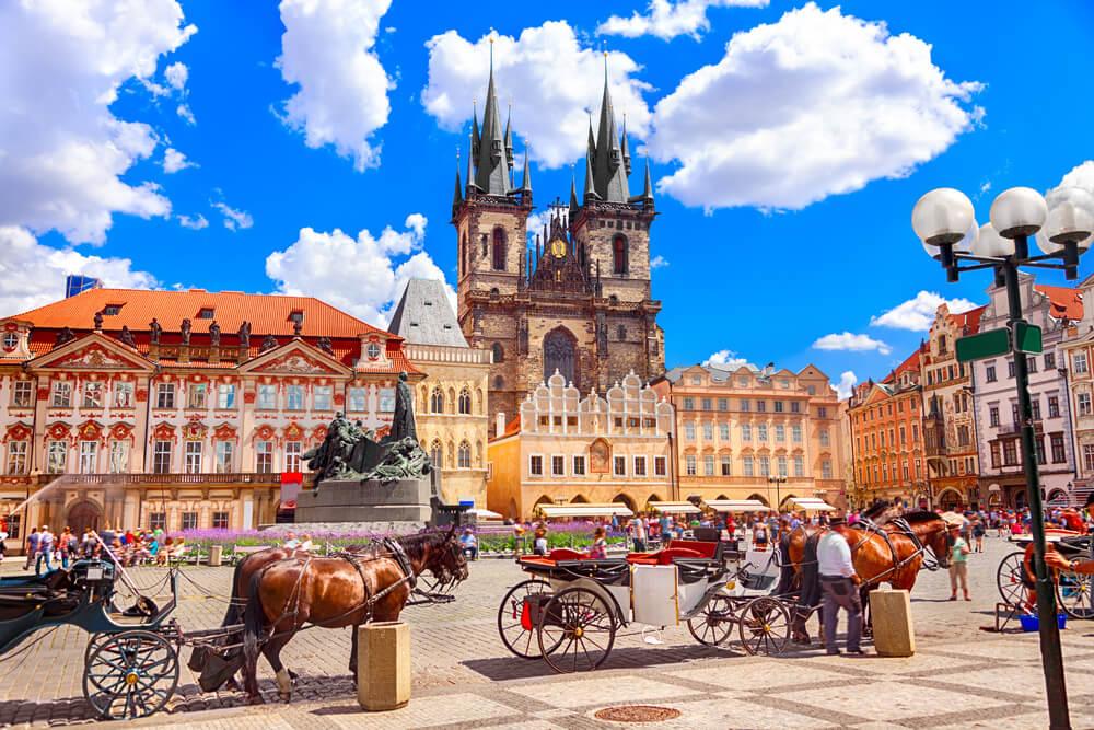 女性必見⁉︎中世の街並みが人気のチェコで人気のお土産13選!|Stayway